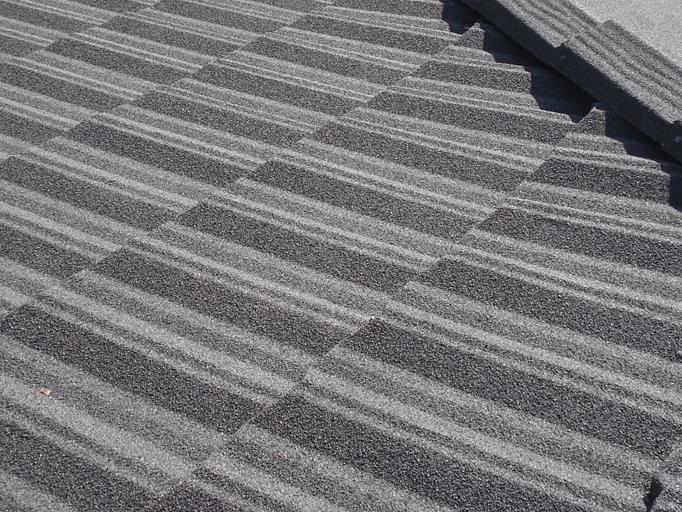 金属屋根材を使用した屋根リフォーム